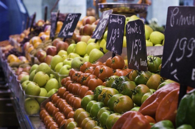 Shopping and weekly market in Aledo