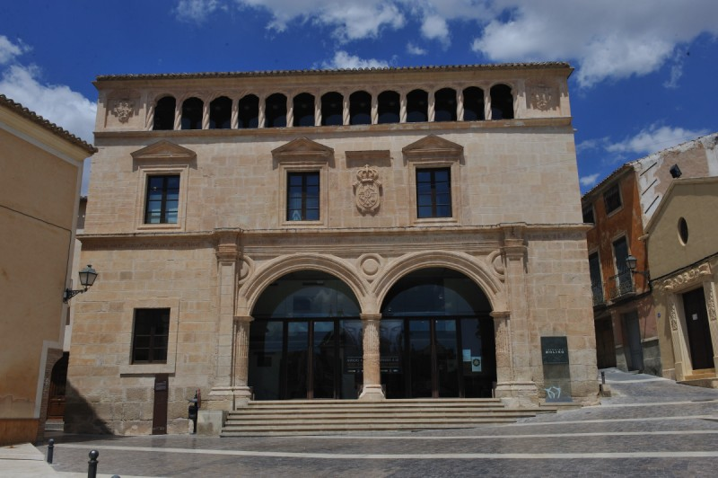 <span style='color:#780948'>ARCHIVED</span> - Saturday 8th February FREE ENGLISH language guided tour of Jumilla old town