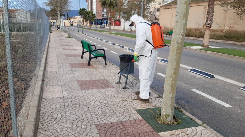 <span style='color:#780948'>ARCHIVED</span> - Jumilla municipal services work to disinfect the streets during Covid-19 lockdown