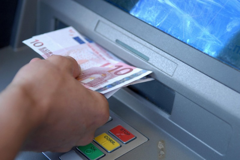 <span style='color:#780948'>ARCHIVED</span> -   Another cashpoint machine ripped out of the wall by thieves in Murcia