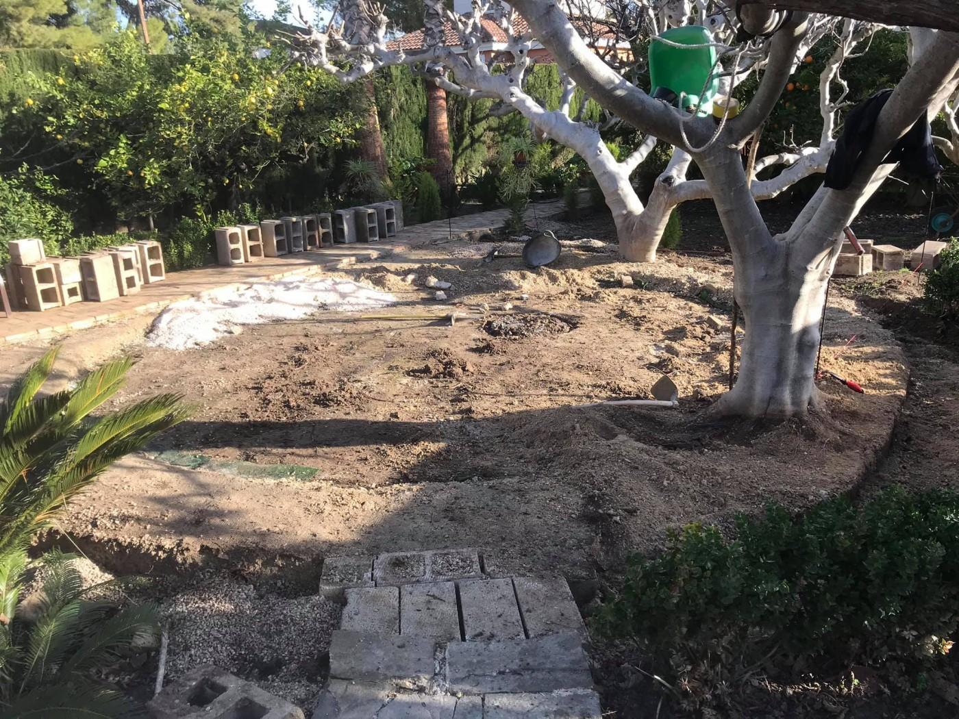 Encina Gardening Services: garden landscaping, maintenance, pruning