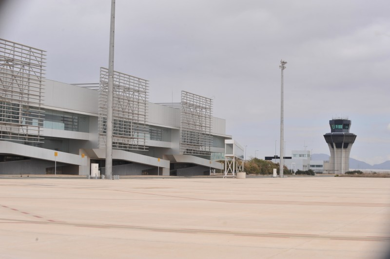 <span style='color:#780948'>ARCHIVED</span> - Continued absence of British tourists hits Corvera airport hard