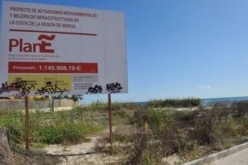 Demolition of the Restaurante Mediterraneo, El Mojón.